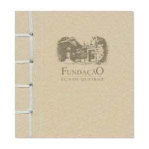Caderno costurado